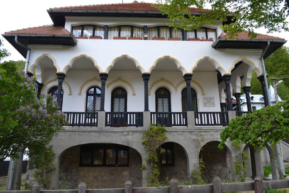 Casa memoriala Cezar Petrescu