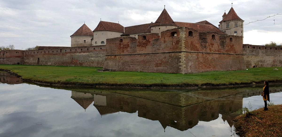 """Cetatea """"Fecioarei de Fier"""" Fagaras"""